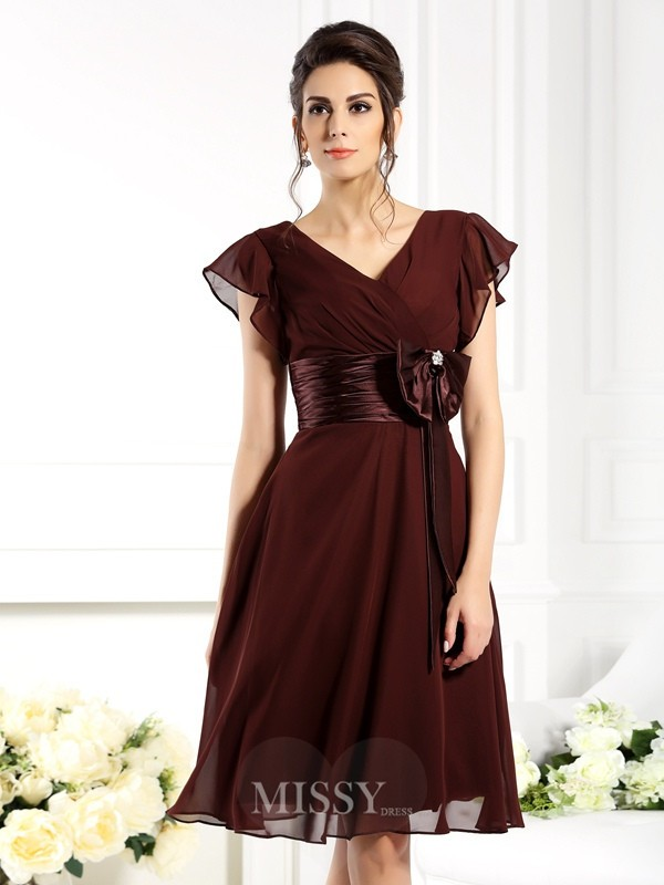A-Line/Princess V-neck Short Sleeves Bowknot Knee-Length Chiffon Bridesmaid Dresses